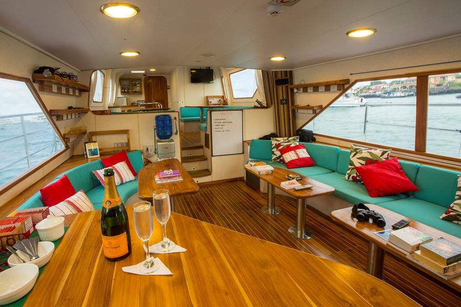 barco_galapagos2